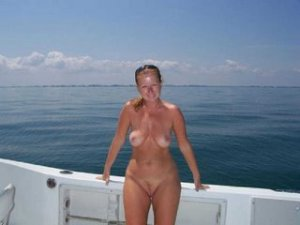 Swanne independent escorts in Nipomo