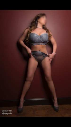 Scarlette independent escorts Nipomo
